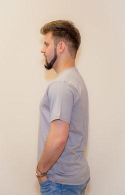 футболка мужская серая (вид сбоку)
