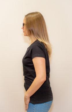 футболка женская черная (вид сбоку)