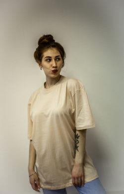 Женская футболка цвета песок