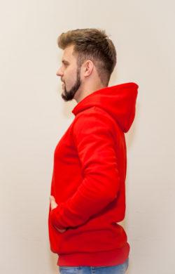 худи мужское красное (вид сбоку)