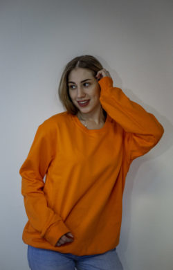 Женский свитшот оранжевого цвета